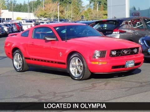 Pre-Owned 2006 Ford Mustang V6