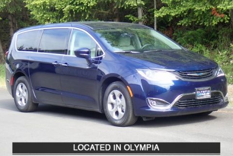 New 2018 Chrysler Pacifica Hybrid Touring Plus 4d